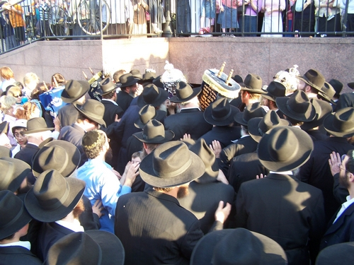 Torah Truck Photo Gallery - Chabad